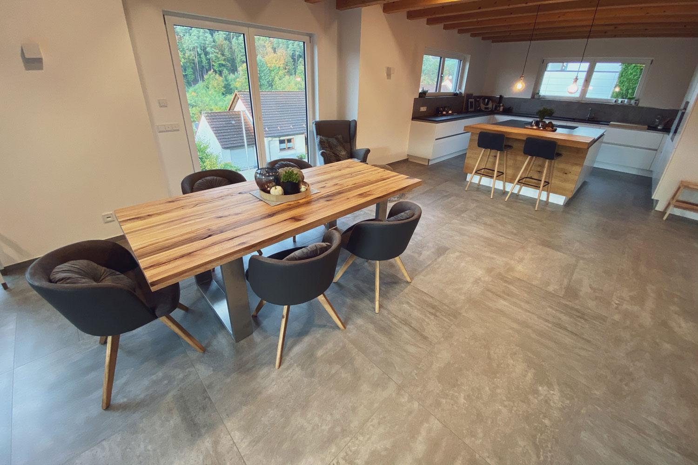 Sebastian Spatz Fliesenleger GmbH fließt Wohnzimmer und Essbereiche sowie Küchen
